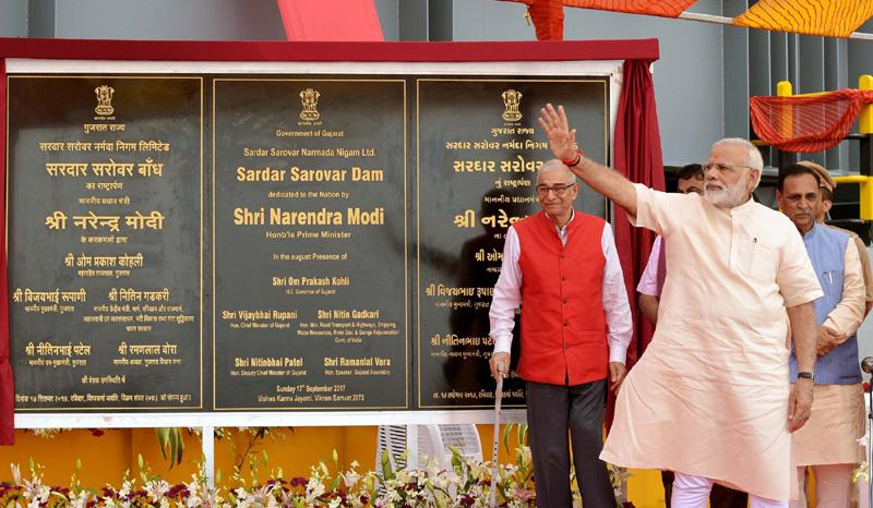 नरेंद्र मोदी भारतीय राजनीति के सबसे बड़े शोमैन हैं