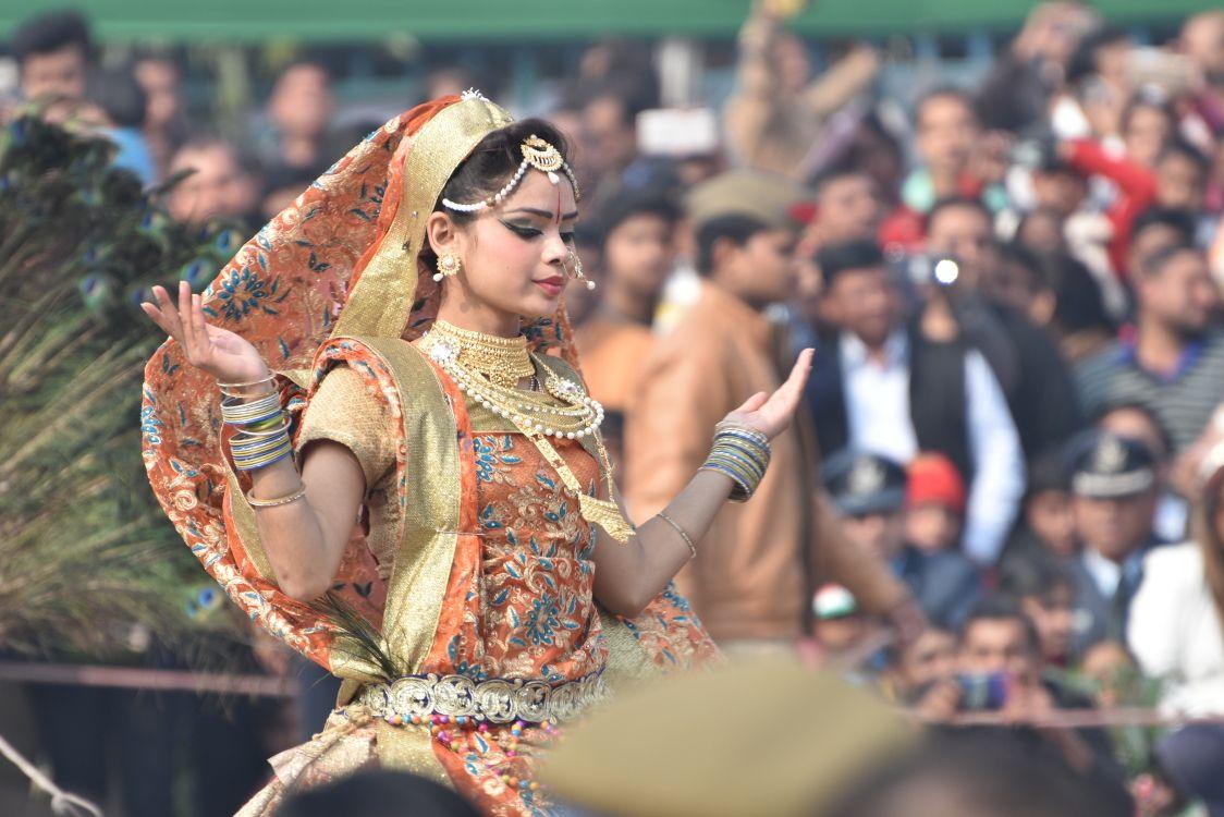 गणतंत्र दिवस लखनऊ में रंगारंग कार्यक्रमों के बीच धूमधाम से संपन्न