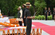 राज्यपाल ने स्मृृतिका जाकर कारगिल के शहीदों को श्रद्धांजलि दी