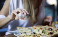 बिना पका नमक कर रहा है सेहत खराब