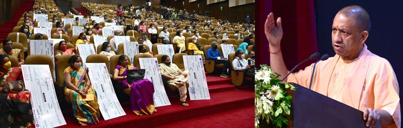 मुख्यमंत्री द्वारा कोविड-19 संक्रमण के कारण दिवंगत पत्रकारों के आश्रितों को आर्थिक सहायता धनराशि का वितरण